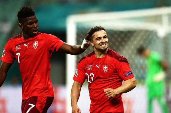 """สวิตเซอร์แลนด์ ต้องเล่นเป็นทีม เพื่อสยบสเปน """"ชากีรี่"""" ปลุกใจเพื่อน!"""
